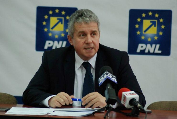 Europarlamentarul PNL Daniel Buda vine mâine la Satu Mare