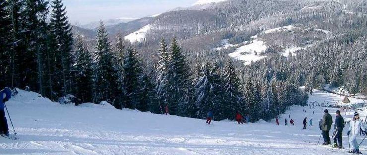 La Cavnic, zăpada măsoară 38 cm, iar 28 cm în Pasul Gutâi