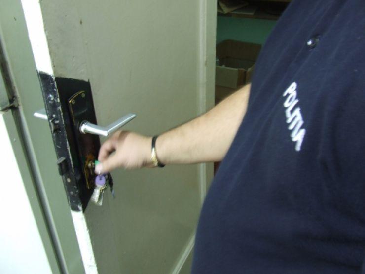 Tăşnădean, cercetat penal pentru un furt din locuinţă