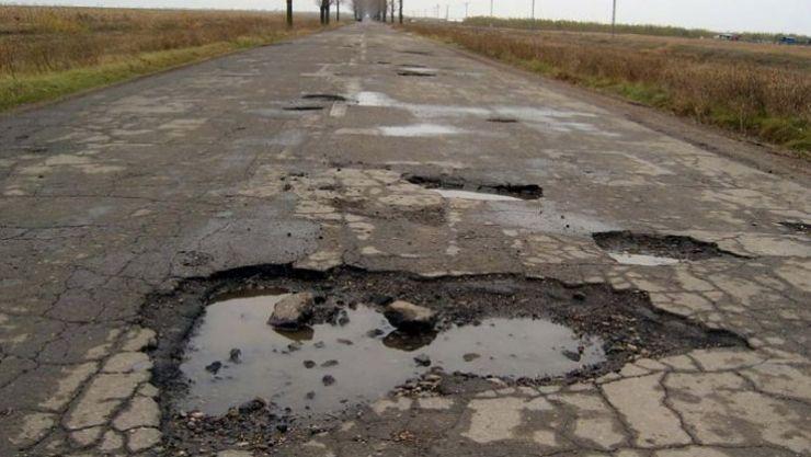 """Pataki Csaba: """"Situația drumurilor este catastrofală și e o bătaie de joc ce se întâmplă"""""""