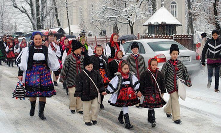Negrești Oaș găzduiește cea de-a XX-a ediție a Festivalului Datinilor şi Obiceiurilor de Iarnă