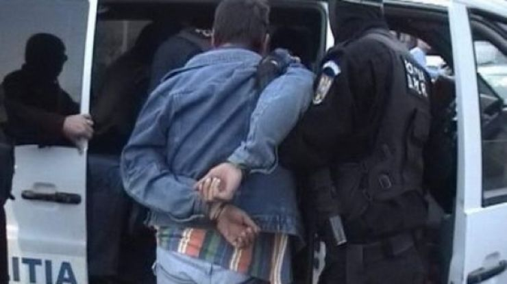 Un tânăr care are la activ mai multe furturi în zona frontierei Petea, prins