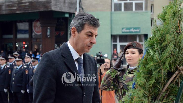 Ministrul Apărării a depus o coroană la Monumentul Ostașului Român din Satu Mare