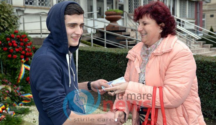 Conducerea firmei CBA Nord Vest Satu Mare i-a mulțumit tânărului, ajuns un erou, recompensându-l cu o sumă de bani