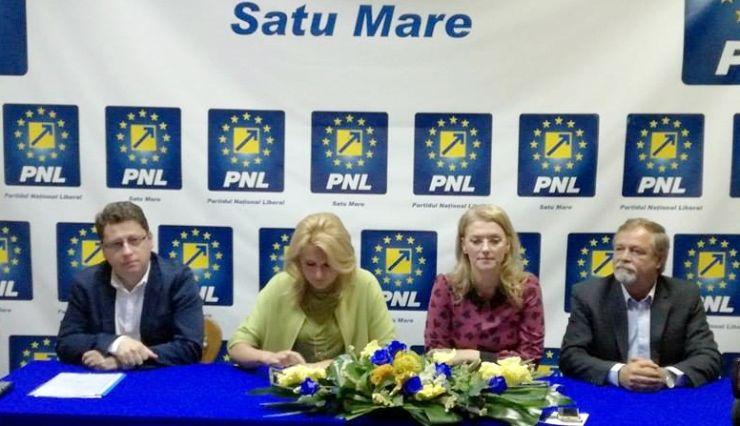 Au chiulit de la serviciu ca să se întâlnească cu Alina Gorghiu, copreședintele PNL
