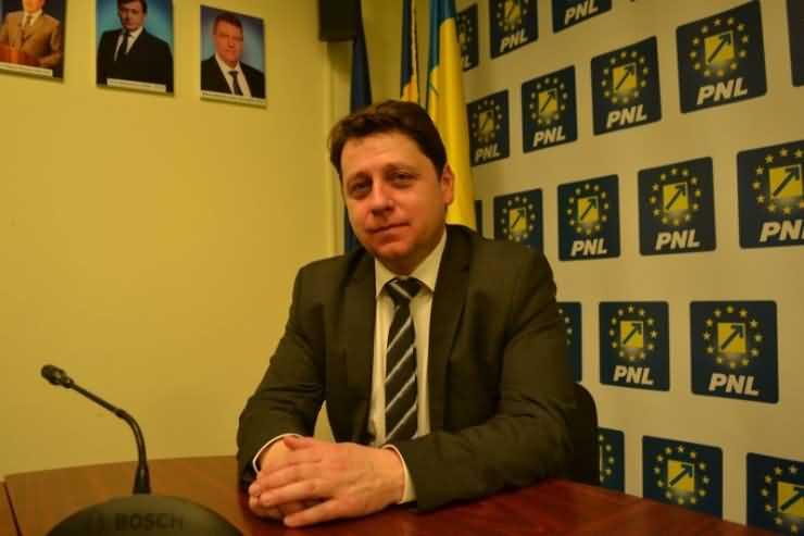 """Romeo Nicoară, copreședinte PNL Satu Mare: """"Dragi sătmăreni, e timpul ca Ponta să plece!"""""""