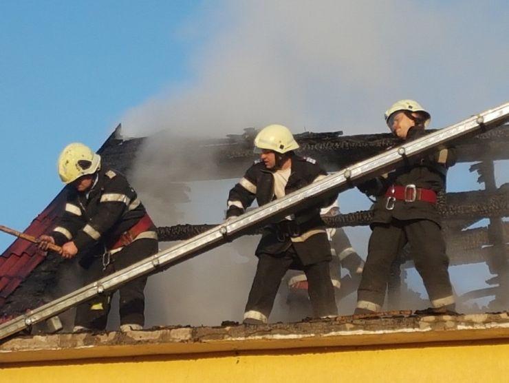 Incendiu în Negrești (foto)