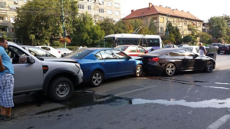 Accident în lanț pe Bulevardul Lucian Blaga