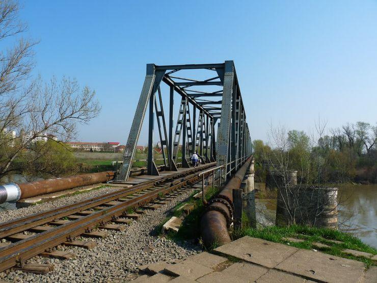 Tentativă de suicid pe Podul de Fier