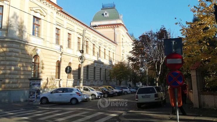 Lucrările la Palatul de Justiție au fost recepționate, însă tot nu se circulă în ambele sensuri pe strada Mileniului