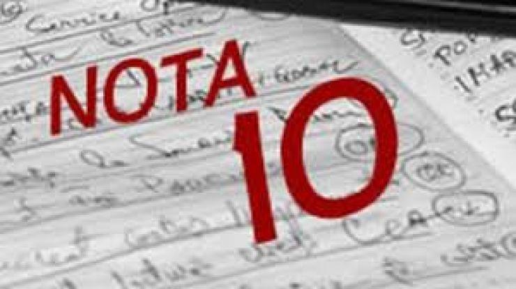 Elevii care au obținut nota 10 la Evaluarea Națională vor fi premiați de prefect