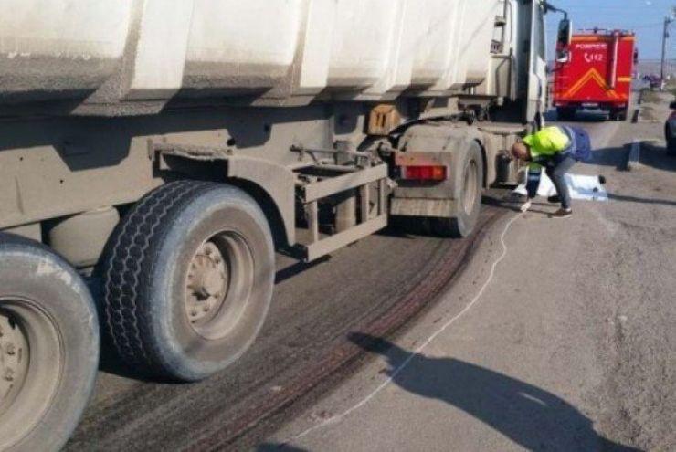 Bărbat accidentat mortal de TIR, în Beltiug