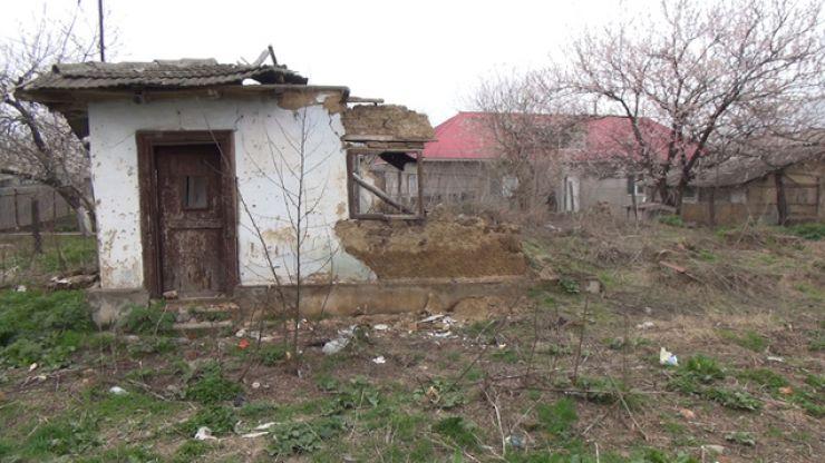 Tragedie la Sanislău. O femeie a murit, după ce tavanul casei s-a prăbușit peste ea