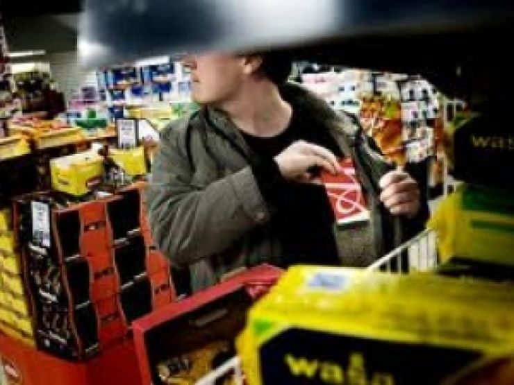 Supermarketuri din Satu Mare și Tășnad, prădate de hoți
