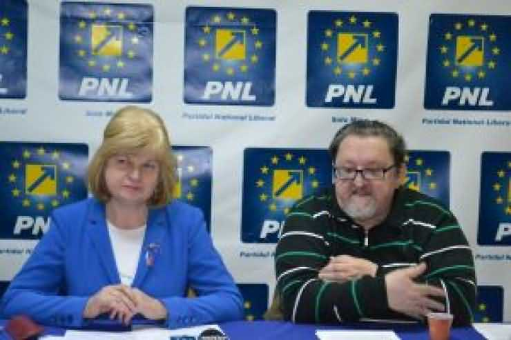 """Liberalul Virgil Enătescu: """"Ne mirăm că tot felul de proști ne conduc!"""""""