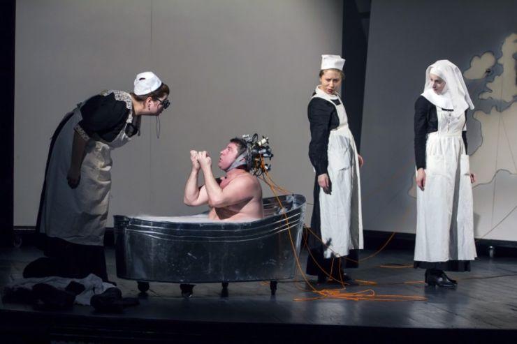 """Spectacolul """"Svejk"""" al Teatrului Odeon va fi pus pe scena Teatrului de Nord Satu Mare"""