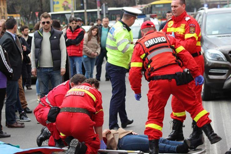 Femeie accidentată grav în fața Casei de Modă