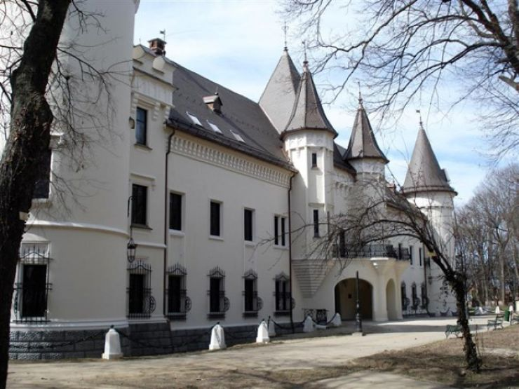 Expoziție de carte veche la Castelul din Carei