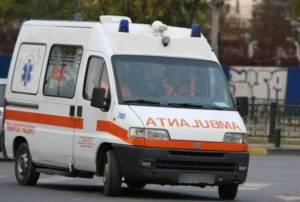 Adolescent transportat în stare gravă la Spitalul din Baia Mare după ce a fost lovit cu copita în cap de un cal
