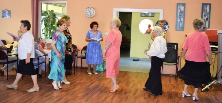 Vârstnicii de la centrele Caritas au sărbătorit împreună