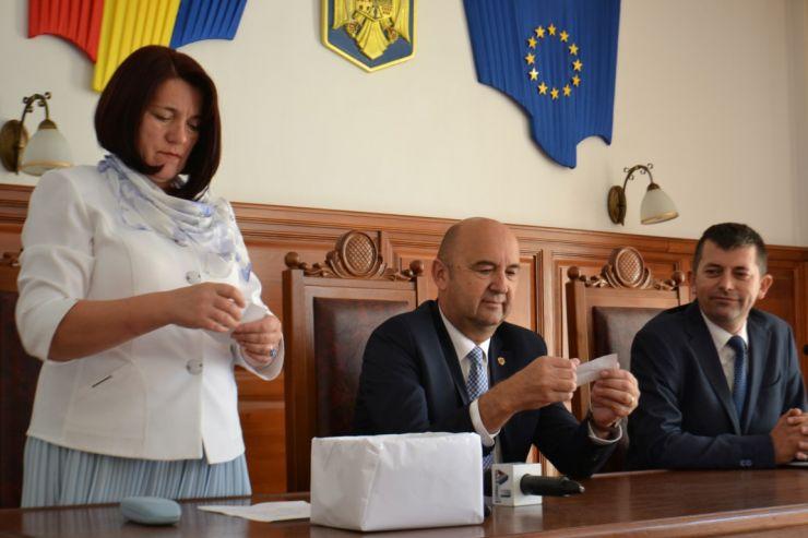 Judecătorii care vor face parte din BEC Satu Mare, traşi la sorţi. Remus Nemeș, președintele BEC