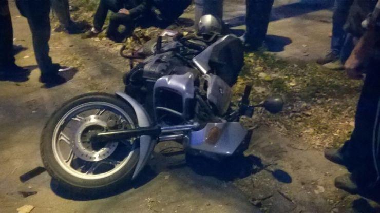 Motociclist accidentat ușor la intersecția cu podul Golescu
