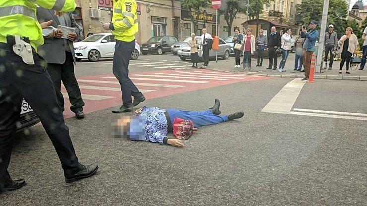 Accident grav la Casa de Modă. O bătrână a fost lovită pe trecere