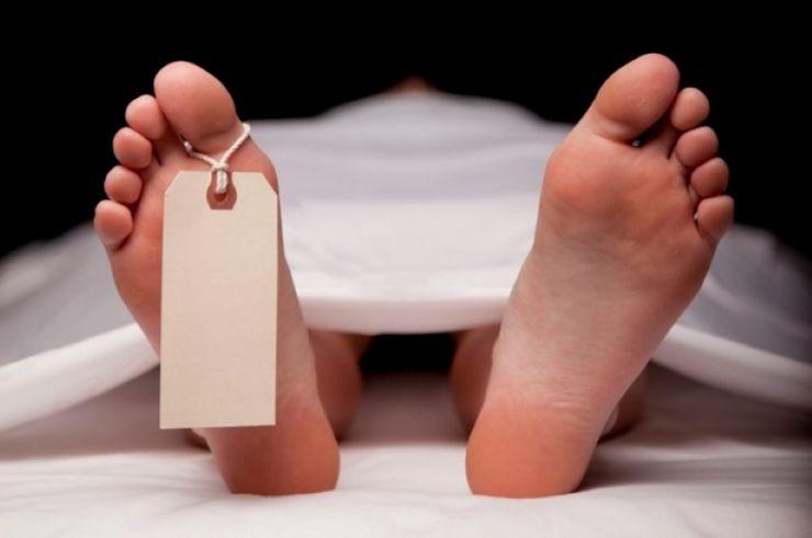 Femeie găsită moartă într-o mașină abandonată, la Apa