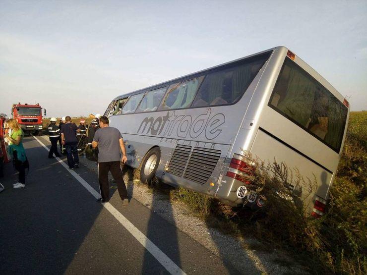 Șoferul autocarului, vinovat de producerea accidentului de pe DN 19