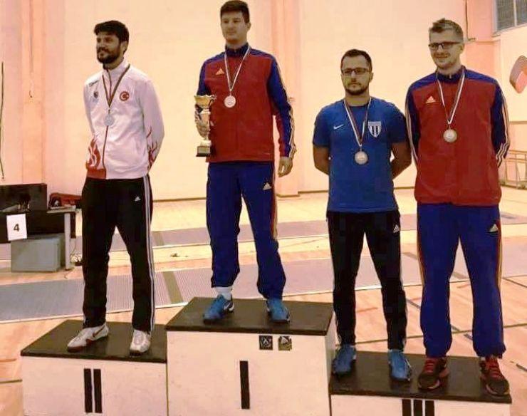 Adrian Szilagyi, campion balcanic la spadă
