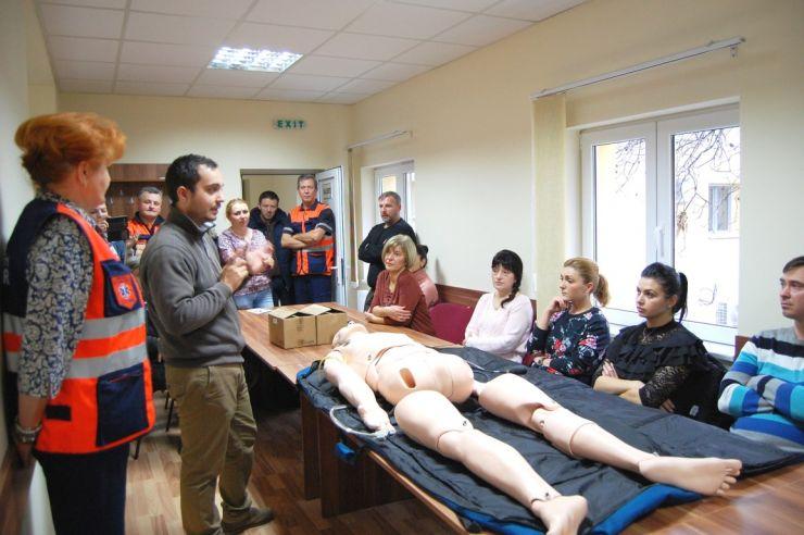 DRÄXLMAIER Satu Mare a dotat Serviciul de Ambulanță cu un manechin cu dispozitiv de simulare a funcțiilor vitale