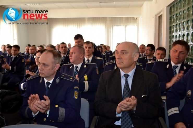 Ziua Poliției la Satu Mare: avansări în grad și expoziție de echipamente și arme (Galerie FOTO)
