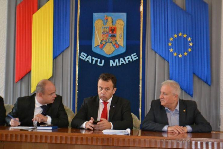 Prefectul Eugeniu Avram a luat foc la ședința Comitetului Consultativ de dialog civic pentru Persoanele Vârstnice