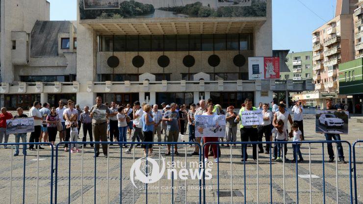 """Codrenii au protestat în Centrul Nou. Vicepreședintele Rus i-a liniștit: """"Angajații CJ nu dorm noaptea din cauza acestui drum"""""""
