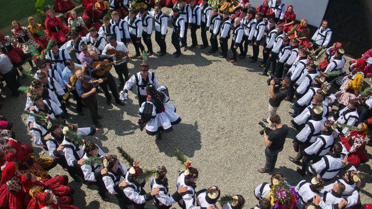 Ritualul nunții oșenești, recreat în Muzeul Țării Oașului