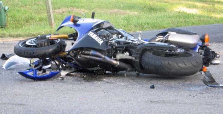 Accident grav | Un motociclist s-a izbit de un Tir, în Săcășeni