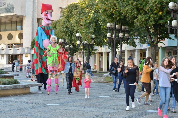 Festivalul TRANZIT FESzT însuflețește orașul Satu Mare! Patru spectacole în acest weekend