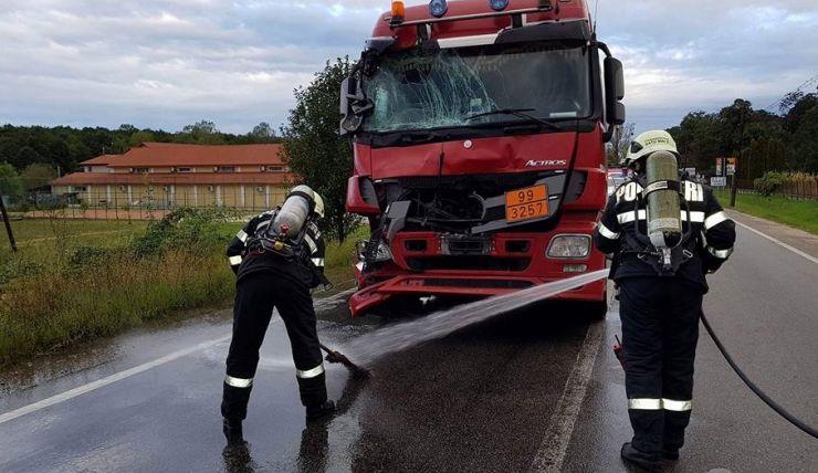 Accident între două cisterne pline cu bitum, în Livada