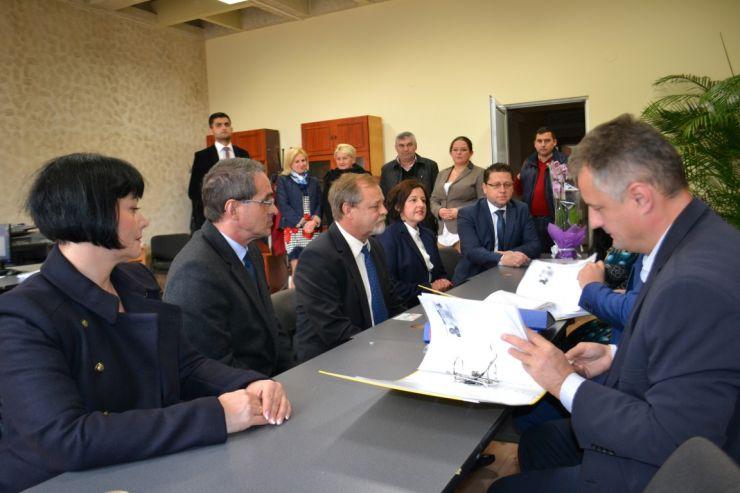 PNL Satu Mare și-a depus candidaturile pentru alegerile parlamentare. Femeile, pe pozițiile secunde