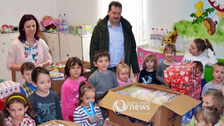 Fundația Maurer a oferit pachete copiilor de la Grădinița din Viile Satu Mare