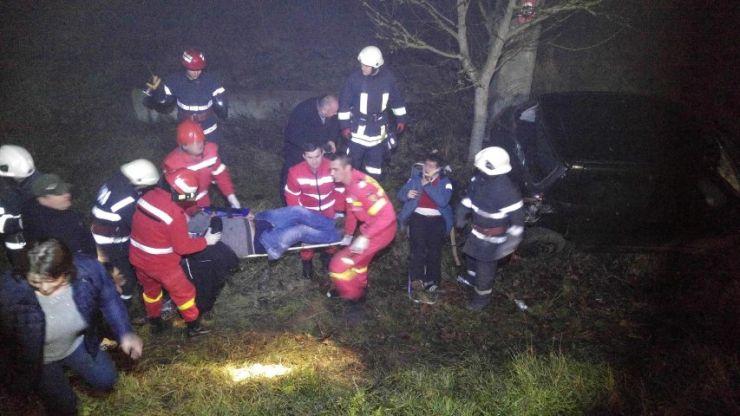 Trei tineri, în stare gravă, în urma unui accident produs între Ciuperceni și Livada