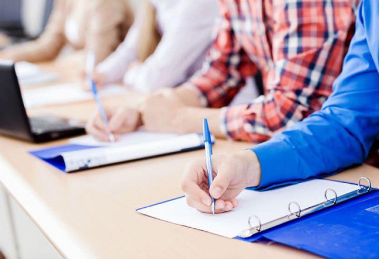 Candidații la funcțiile de directori intră în focul examenelor