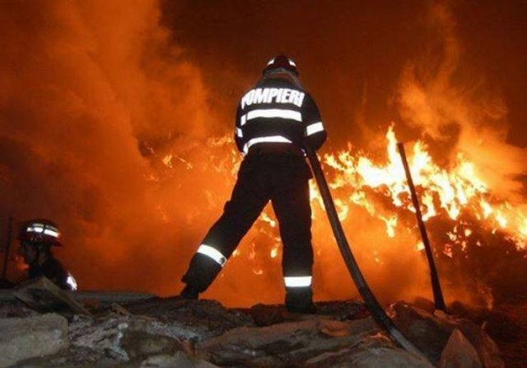 Incendiu de proporții la un fânar din Andrid