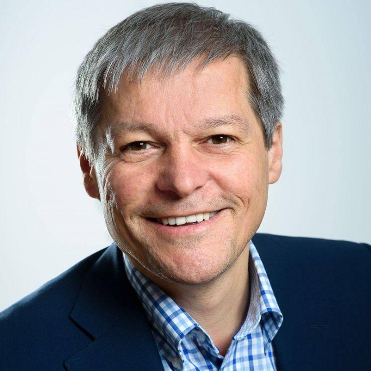 """Dacian Cioloș: """"Președintele Klaus Iohannis mi-a cerut în această seară să formez un nou guvern"""""""
