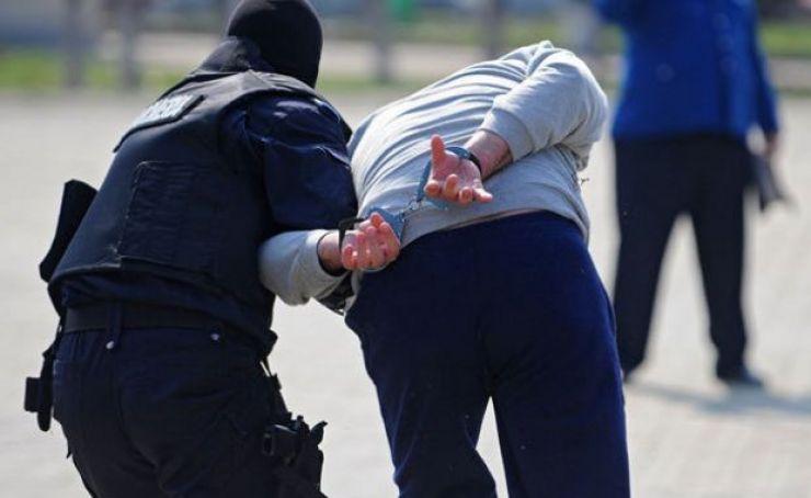 Un tânăr din Micula, dat în urmărire, prins și încarcerat