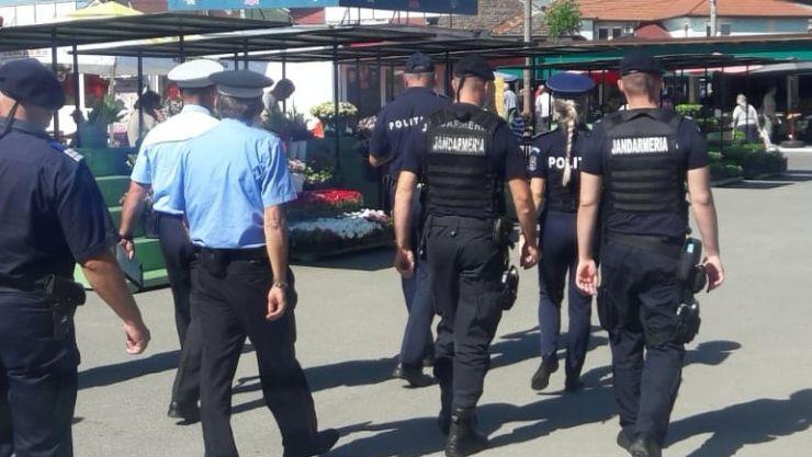Acțiuni ale polițiștilor în centre comerciale, piețe, terase și în zone cu aflux ridicat de persoane