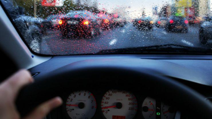 Poliția: Recomandări pentru un trafic în siguranță, pe timp de ploaie