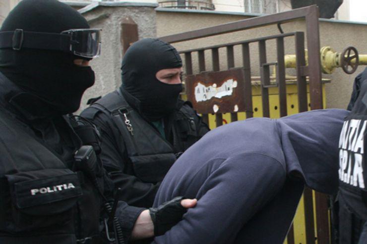 Polițist din Satu Mare prins în flagrant în timp ce primea mită