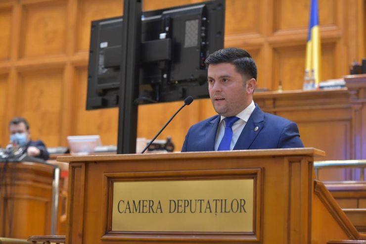 """Deputatul PNL Adrian Cozma, despre raportul Matic: """"Impunerea unor norme antiromânești nu-și au locul"""""""