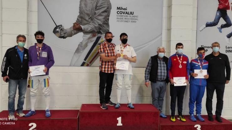 Performanță | Alex Oroian a câștigat titlul național la spadă! Tudor Surducan, medalie de bronz